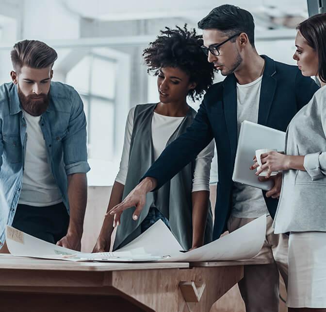 business-people-in-modern_office.jpg